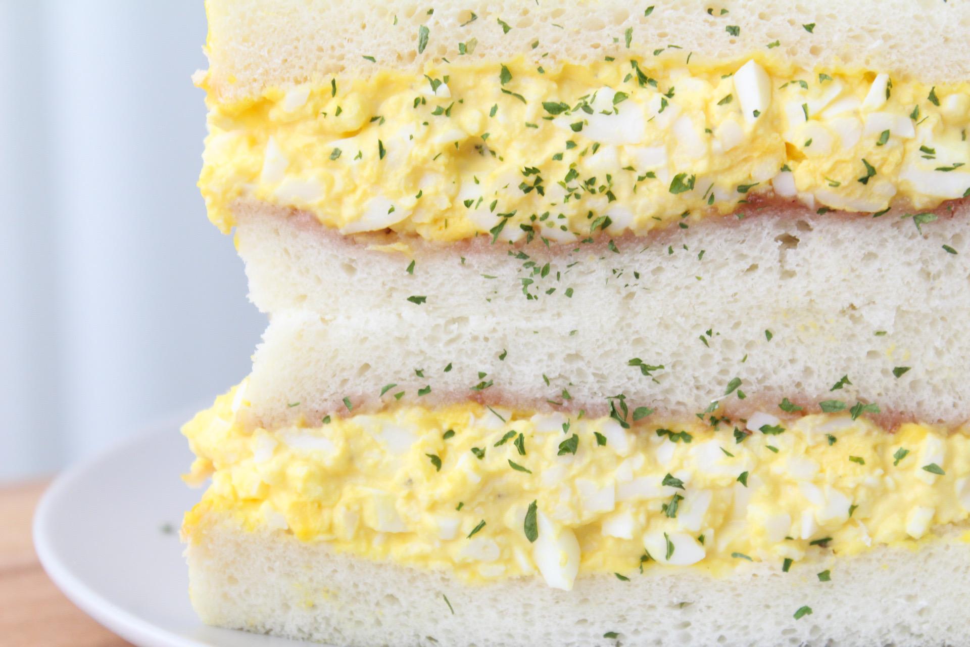 딸기잼과+함께+즐기는+초간단+에그마요+샌드위치