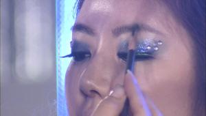 6) 자연스러운 눈썹과 입술로 마무리<br> 눈을 한껏 강조한 메이크업에는 상대적으로 자연스러운 눈썹이 어울려요~