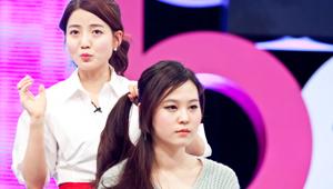 3) 라인 포니테일<br> 3-2) 귀 밑으로 흘러내린 머리는 두고 나머지 부분을 옆쪽으로 묶어주세요.