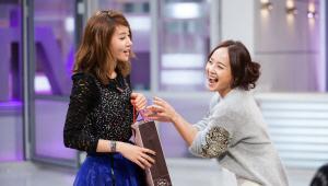 - 유진씨랑 정민씨 웃는 모습이 너무 예뻐요!