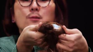 <b>Tip!</b> 생머리는 삭스번을 만들기 어렵고 웨이브 머리는 쉽게 삭스번 스타일을 만들 수 있어요.