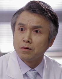 고중훈 (남 50대 후반, 응급의학과 과장)