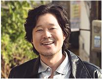 근덕 (유재명) | 외삼촌 | 택시운전사