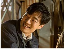 인철 (이희준) | 연수의 직장동료이자 대학 선배