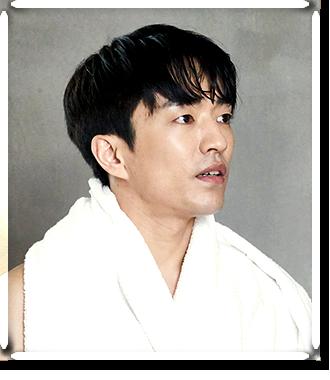 윤도산 (남 / 34세 / 여행 작가)