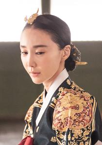 중전 박씨  (여, 30대 중반)