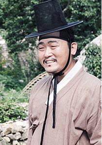 박복은 아전 (남, 40대, 송주현 아전)