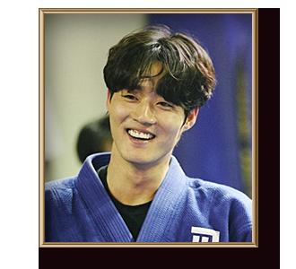 김준오 (남,30대 중반)