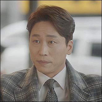 이동진 (민성욱)