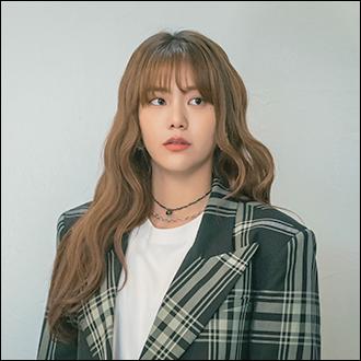 윤서영 (25세, 황금거위 미디어 직원)