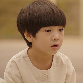 어린 재웅 (장선율)