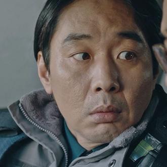 선배 경찰 (김건호)