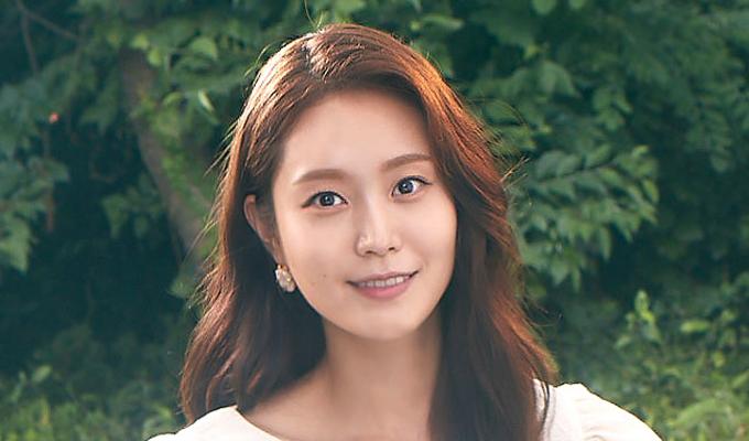 황나윤 (30대 초반) / 박세진